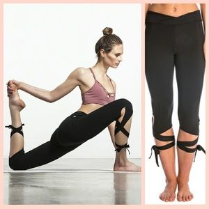 COPY - NWT Free People Movement Turnout Leggings